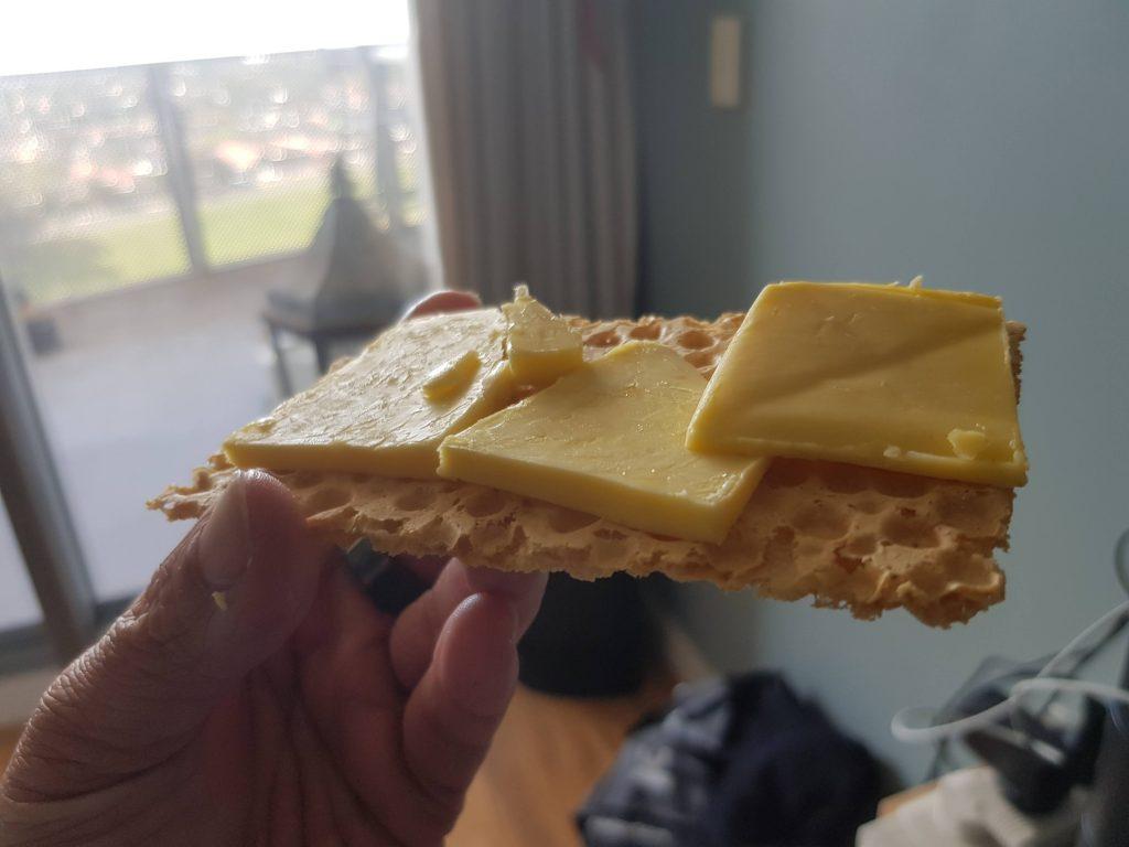keto crispbread with butter