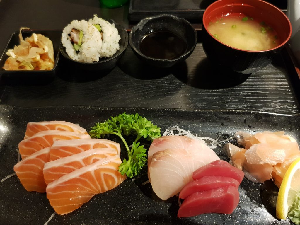 Sashimi set with miso soup
